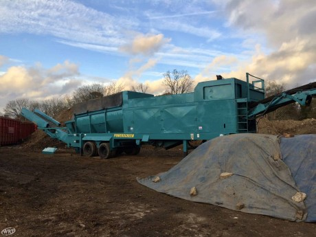 Powerscreen 615LL Mobile Trommel Screen